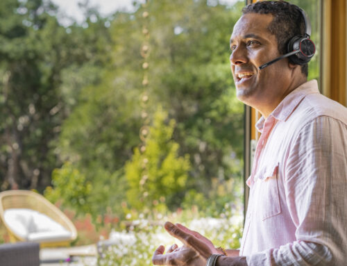 Achieve Wireless Freedom with the New Voyager 4300 UC Series